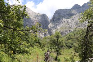 Photos of the karst areas of Seresu and Kuraves
